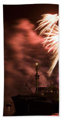 Bath Towel featuring the photograph Sky On Fire by Ian Middleton