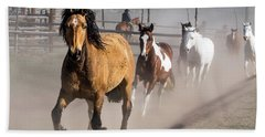 Sombrero Ranch Horse Drive At The Corrals Bath Towel