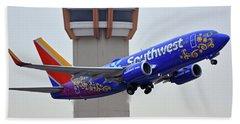 Southwest 737-7l9 N7816b Coco Phoenix Sky Harbor November 30 2017 Bath Towel