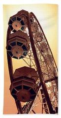 Spinning Like A Ferris Wheel Bath Towel by Glenn McCarthy Art and Photography