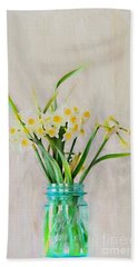 Hand Towel featuring the photograph Spring In The Country by Benanne Stiens