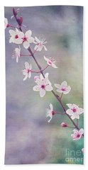 Hand Towel featuring the photograph Spring Splendor by Linda Lees