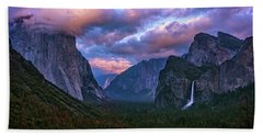 Spring Sunset At Yosemite's Tunnel View Bath Towel
