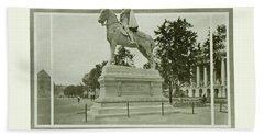 St. Louis World's Fair Statue Of De Soto Bath Towel by Irek Szelag