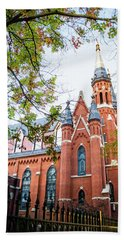 Hand Towel featuring the photograph St Paul's Cathedral In Downtown Birmingham by Shelby Young
