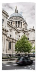 St Pauls Cathedral With Black Taxi Bath Towel
