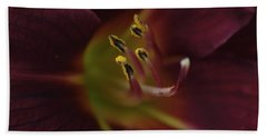 Stamen Of Day Lily Bath Towel