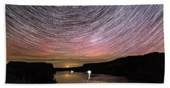 Hand Towel featuring the photograph Star Trails And Aurora At Billy Chinook by Cat Connor