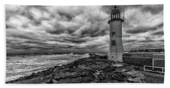 Storm Clouds Over Old Scituate Lighthouse In Black And White Bath Towel