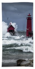 Storm On Lake Michigan By The Grand Haven Lighthouse With Flying Gulls Bath Towel