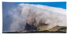 Hand Towel featuring the photograph Storr In Cloud by Gary Eason