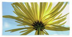 Bath Towel featuring the photograph Sunburst by Judy Vincent