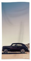 Bath Towel featuring the photograph Sunday Drive To The Beach by Edward Fielding