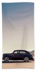 Sunday Drive To The Beach Bath Towel by Edward Fielding