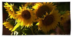 Sunflowers In A Vase Bath Towel