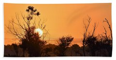 Hand Towel featuring the photograph Sunrise Fenceline by John Glass