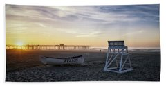 Hand Towel featuring the photograph Sunrise In Avalon by Eduard Moldoveanu