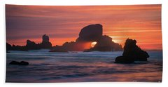 Sunset Behind Arch At Oregon Coast Usa Bath Towel