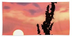 Bath Towel featuring the photograph Sunset by Raymond Earley