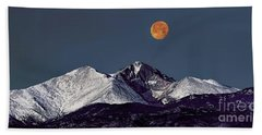 Supermoon Lunar Eclipse Over Longs Peak Hand Towel