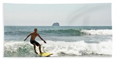 Surfing New Zealand Waves Bath Towel