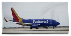 Take Off Southwest Airlines N7878a Hartsfield-jackson Atlanta International Airport Art Bath Towel