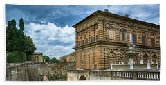 The Back Of The Pitti Palace In Florence Bath Towel