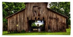 Hand Towel featuring the photograph The Barn by Ester Rogers