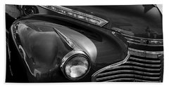 Bath Towel featuring the photograph The Curve Of The Fender by Kirt Tisdale