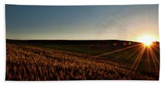Bath Towel featuring the photograph The Field Of Gold by Mark Dodd