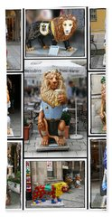 The Lions Of Munich Bath Towel