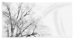 Bath Towel featuring the photograph The Minimal Tree by Joel Witmeyer