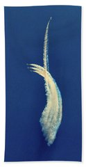 Hand Towel featuring the photograph The One That Got Away by Bill Swartwout Fine Art Photography