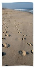 The Trails Of Footprints - Jersey Shore Bath Towel
