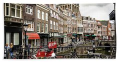 Hand Towel featuring the photograph The Vismarkt In Utrecht by RicardMN Photography