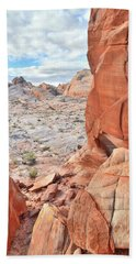 The Wall At Valley Of Fire Bath Towel by Ray Mathis