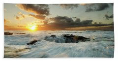Hand Towel featuring the photograph Thors Well Cape Perpetua 1 by Bob Christopher