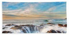 Bath Towel featuring the photograph Thor's Well by Russell Pugh