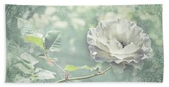 Bath Towel featuring the photograph Thoughts Of You by Linda Lees