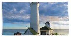 Tibbetts Point Lighthouse In June Hand Towel