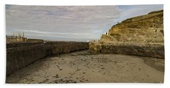Hand Towel featuring the photograph Tide Out Portreath by Brian Roscorla