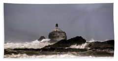Tillamook Lighthouse Bath Towel