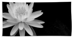 Black And White -timeless Lily Bath Towel
