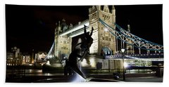 Tower Bridge With Girl And Dolphin Statue Hand Towel