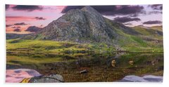 Hand Towel featuring the photograph Tryfan Mountain Sunset by Adrian Evans