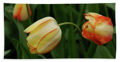 Nodding Tulips Bath Towel