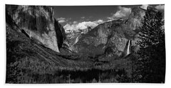 Tunnel View Black And White  Bath Towel