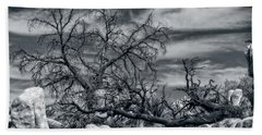 Twisted Branches Bath Towel