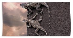 Two Lizards On The Edge Of The Roof Bath Towel