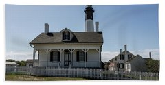Bath Towel featuring the photograph Tybee Island Lighthouse by Kim Hojnacki